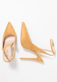 Public Desire - JAYDE - High heels - mustard - 3