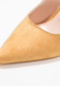 Public Desire - JAYDE - High heels - mustard - 2