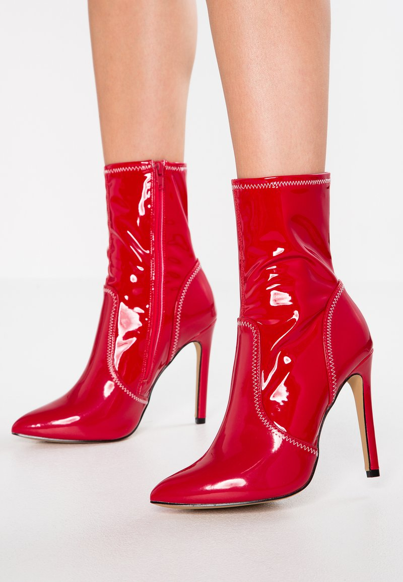 Public Desire - HOTNESS - High heeled ankle boots - red