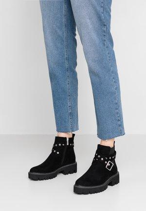 CRASH - Kotníková obuv - black