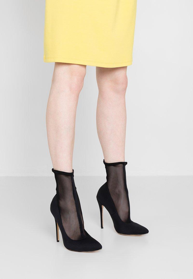 Public Desire - ELIZA - Kotníková obuv na vysokém podpatku - black