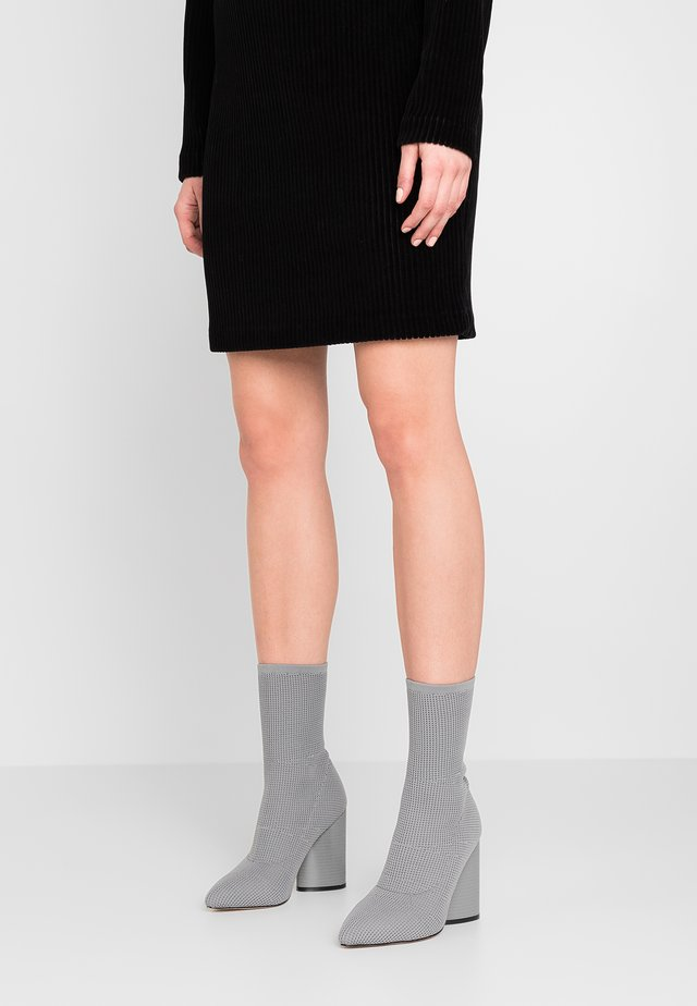 FUSE - High heeled ankle boots - grey