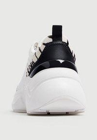PULL&BEAR - Sneakers - white - 4