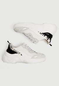 PULL&BEAR - Sneakers - white - 2