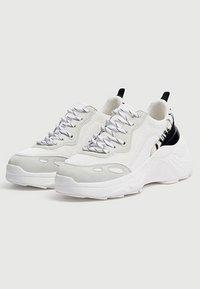 PULL&BEAR - Sneakers - white - 3