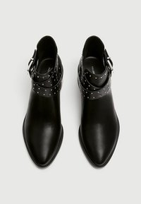 PULL&BEAR - Kotníkové boty - black - 2