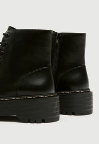 PULL&BEAR - Bottines à lacets - black - 4