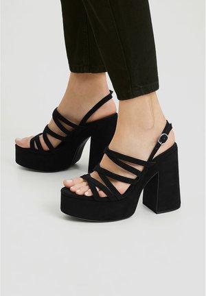 MIT PLATEAU-ABSATZ - High heeled sandals - black