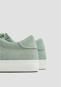 PULL&BEAR - Trainers - green - 5