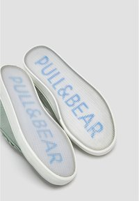 PULL&BEAR - Trainers - green - 3