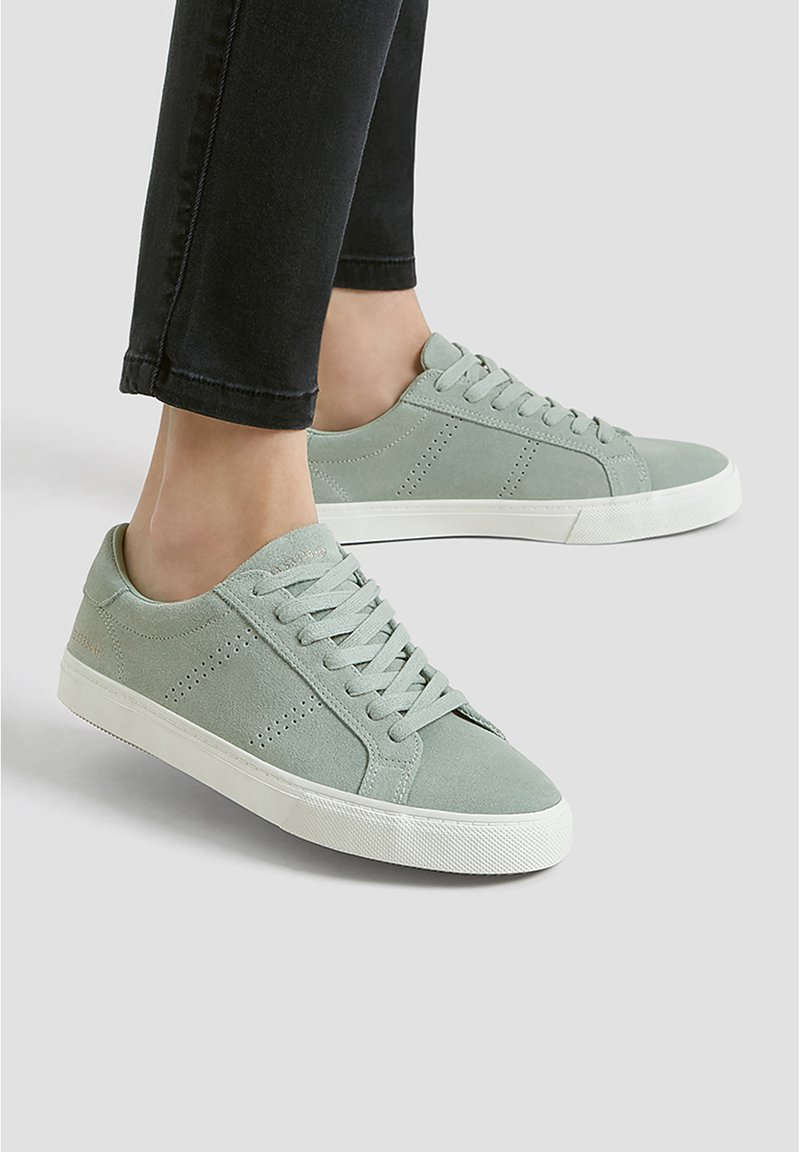 PULL&BEAR - Trainers - green