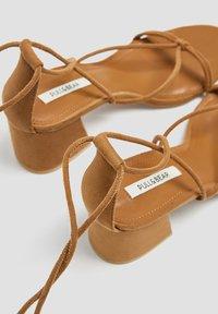 PULL&BEAR - Sandales classiques / Spartiates - brown - 4