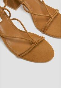 PULL&BEAR - Sandales classiques / Spartiates - brown - 6