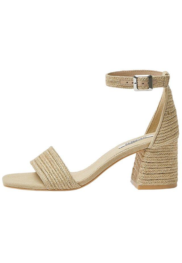 High heeled sandals - light brown