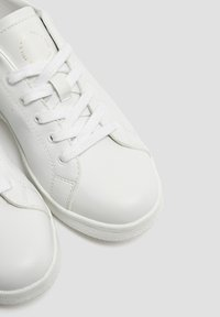 PULL&BEAR - Sneakers laag - white - 5