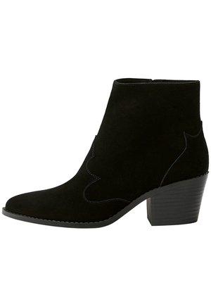 LEDERSTIEFELETTEN IM COWBOYLOOK 11062540 - Kovbojské/motorkářské boty - black