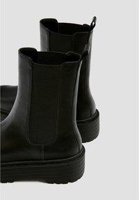 PULL&BEAR - MODISCHE CHELSEA-STIEFEL 11044540 - Bottines - black - 5