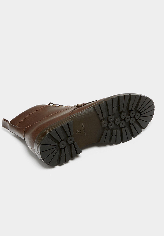 PULL&BEAR MIT DETAIL AN DER SPITZE - Snørestøvletter - brown