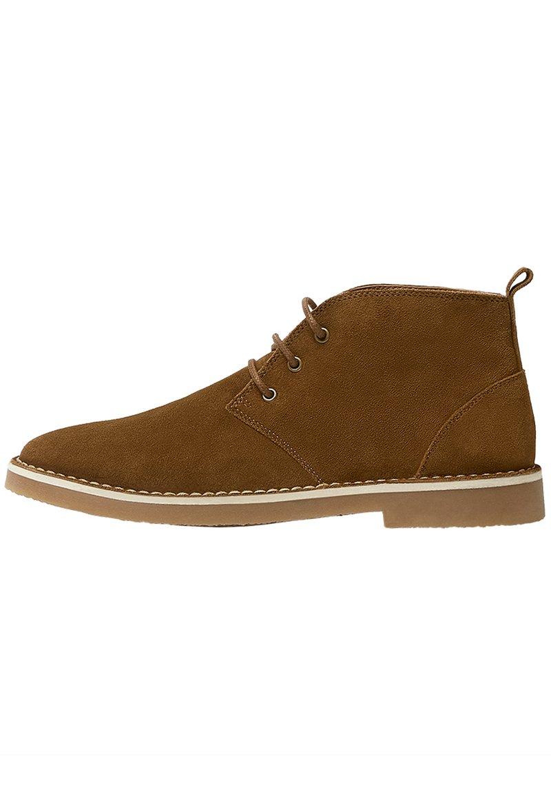 PULL&BEAR - SCHWARZE DESERT-BOOTS AUS LEDER 12050540 - Volnočasové šněrovací boty - brown