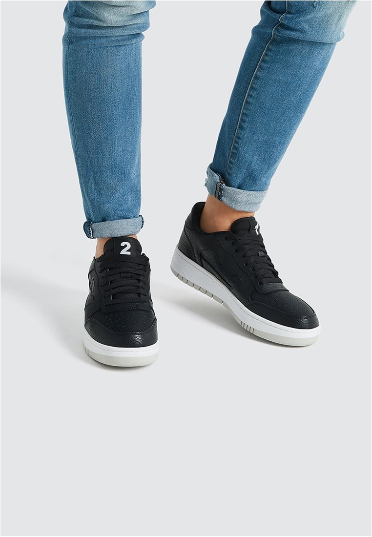 PULL&BEAR - Sneaker low - black