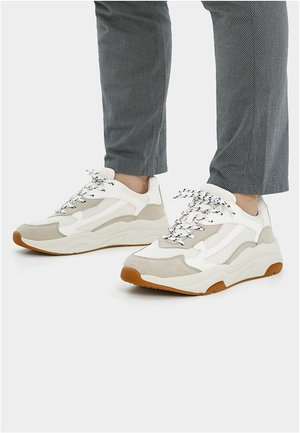 URBANER CHUNKY - Sneakers laag - white