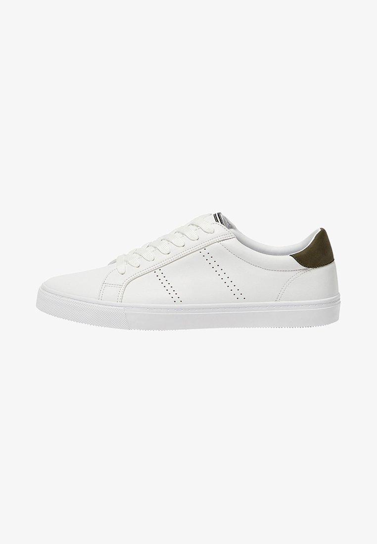 PULL&BEAR - MIT SEITLICHEM BROGUING - Sneaker low - white