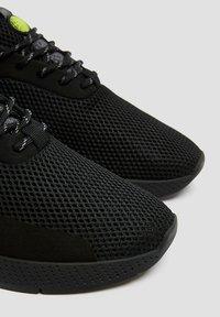 PULL&BEAR - 12309540 - Trainers - black - 6