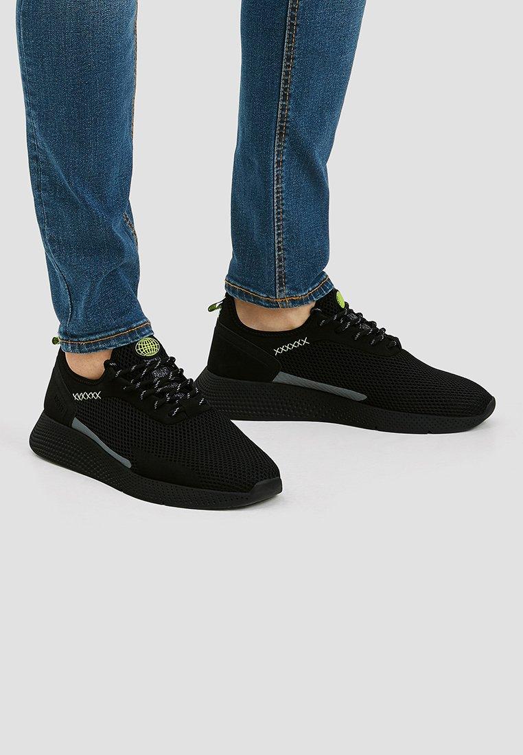 PULL&BEAR - 12309540 - Trainers - black