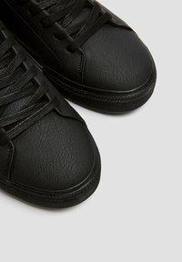 PULL&BEAR - Baskets basses - black - 5