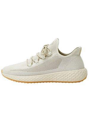 SNEAKER IM REGULAR-FIT IN STRICKOPTIK 12320540 - Sneakersy niskie - beige