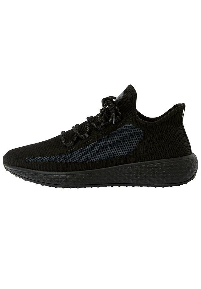 SNEAKER IM REGULAR-FIT IN STRICKOPTIK 12320540 - Sneakers laag - black