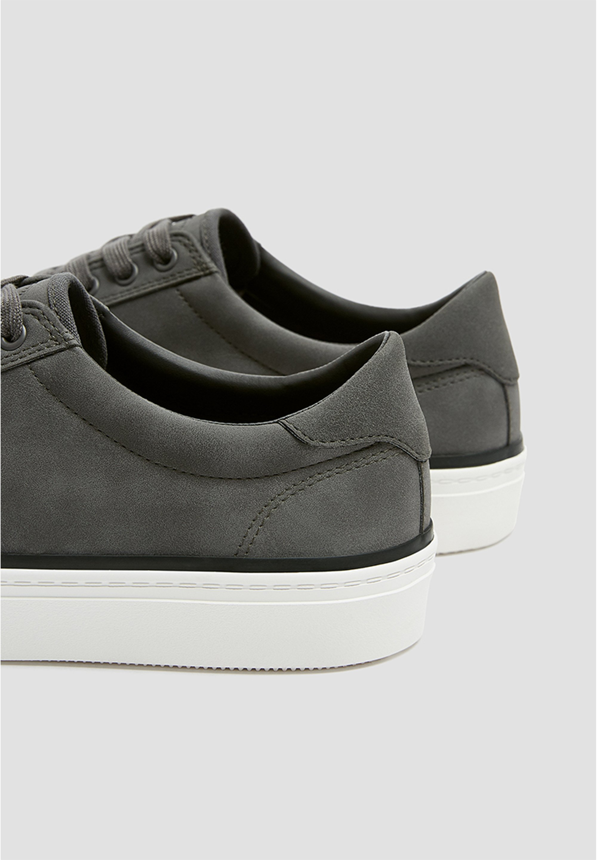 PULL&BEAR SNEAKER MIT BROGUING UND SCHNÜRUNG 12215540 - Sneakers - grey