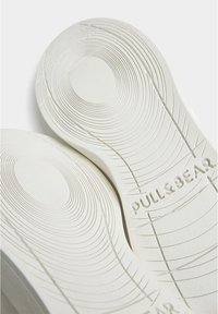 PULL&BEAR - Trainers - white - 5