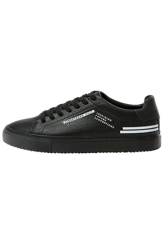 SNEAKER MIT SLOGAN 12217540 - Sneakers - black
