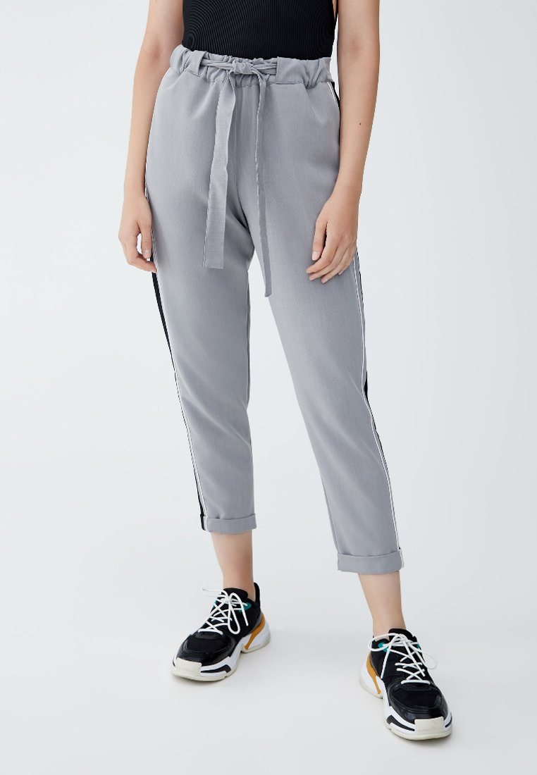 PULL&BEAR - Trousers - grey
