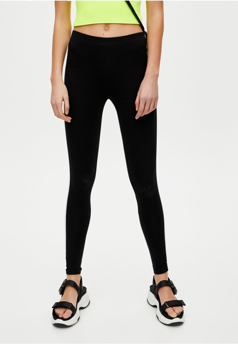 PULL&BEAR - Leggingsit - black