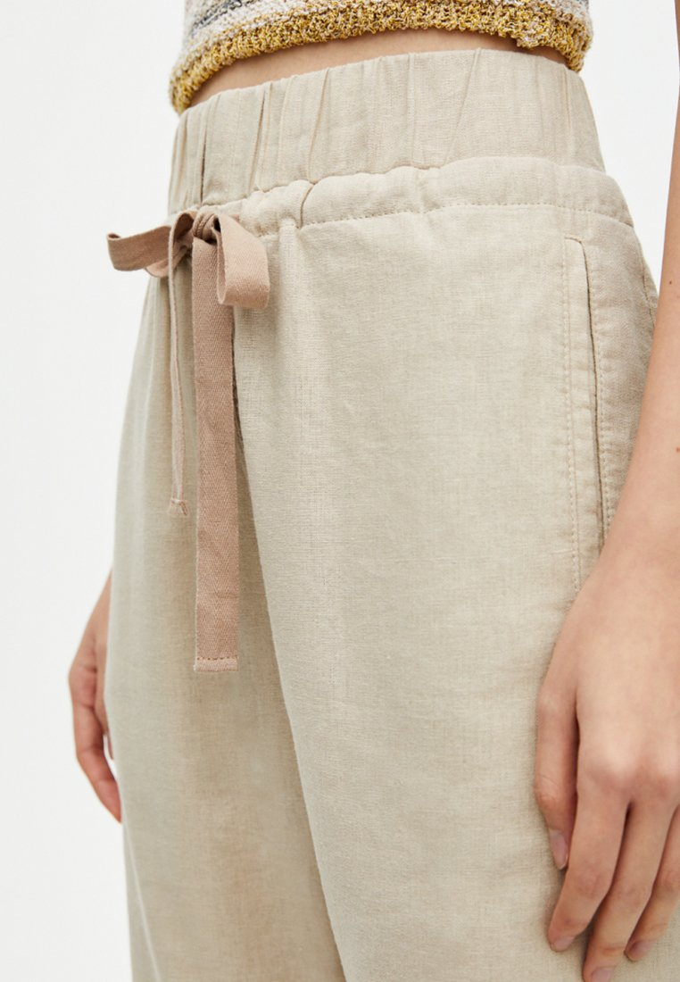 PULL&BEAR Pantaloni sand
