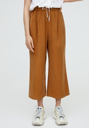 MIT WEITEM SAUM - Trousers - camel