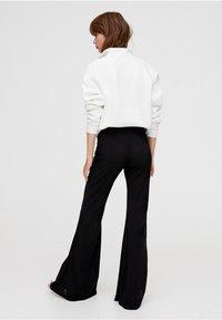 PULL&BEAR - Pantaloni - black - 2