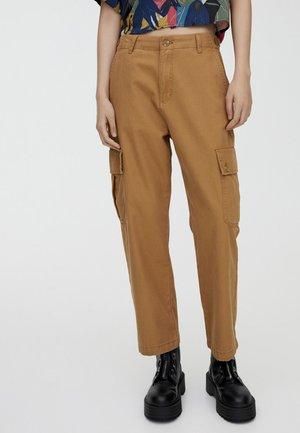 CARGO - Pantaloni - brown