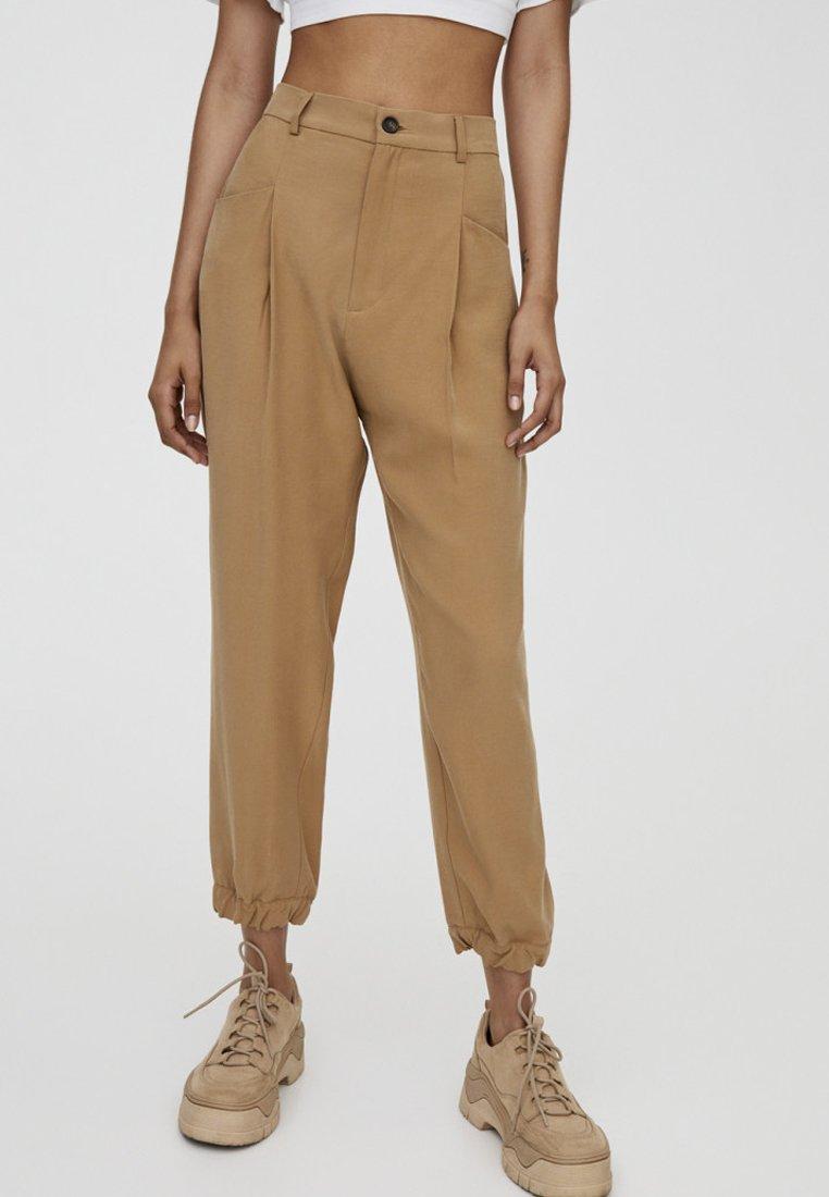 PULL&BEAR - Pantalon classique - beige
