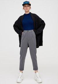 PULL&BEAR - Kalhoty - grey - 1