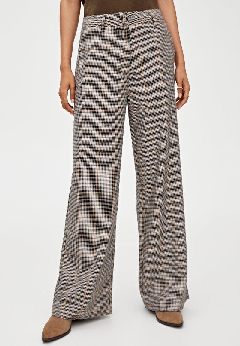 PULL&BEAR - Kalhoty - brown