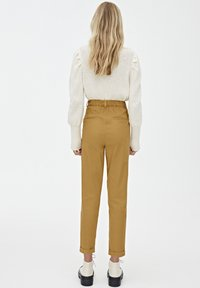 PULL&BEAR - Chinot - brown - 2