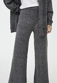 PULL&BEAR - Trousers - dark grey - 4