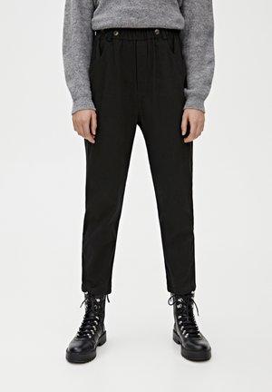 MIT BUNDFALTEN - Kalhoty - black
