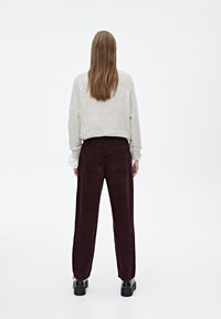 PULL&BEAR - IM MOM-FIT  - Broek - bordeaux - 2