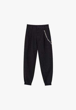 BASIC-CARGOHOSE MIT KETTE 09670115 - Cargo trousers - black