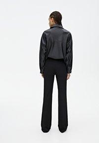PULL&BEAR - Spodnie materiałowe - black - 2