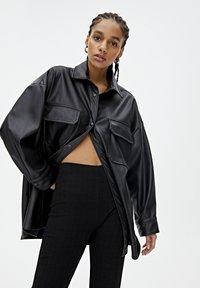 PULL&BEAR - Spodnie materiałowe - black - 4